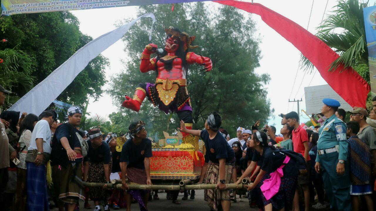Pawai Ogoh-Ogoh Jelang Nyepi di Surabaya, Walikota Ajak Masyarakat Ciptakan Kerukunan