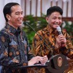 Presiden Jokowi Bagikan Sepeda untuk Raisa, Bimbo, dan Sejumlah Musisi