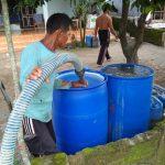 Warga Pemilik Sumur Ambles Terima Bantian Air Bersih