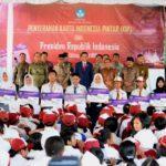 Presiden Jokowi Serahkan 1.000 KIP di Kota Malang