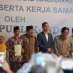 Presiden Jokowi Serahkan Sertifikat Tanah untuk Masyarakat Jawa Timur
