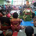 Ribuan Warga Berebut 1.000 Tumpeng Pada Acara Bersih Desa di Kediri