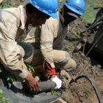 Warga Lakardowo Lakukan Uji Bor Tanah untuk Buktikan Adanya Pencemaran
