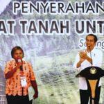 Presiden Serahkan 2.568 Sertifikat Di Sorong