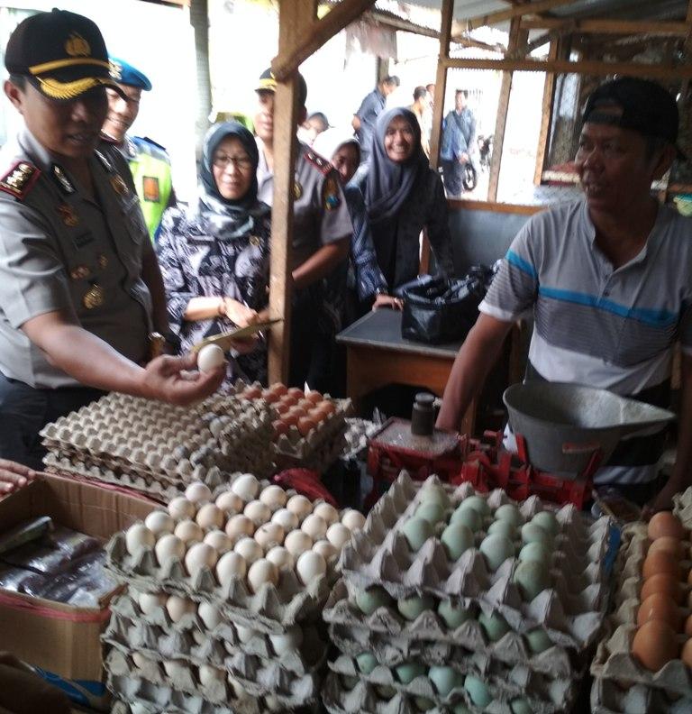 Sidak Pasar Jelang Natal dan Tahun Baru, TPID Kota Kediri Temukan Kenaikan Harga Beberapa Komoditas