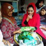Puti Guntur Soekarno Kunjungi Pasar Blambangan dan Coba Jajan Pasar