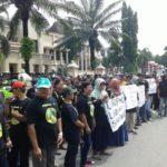 Tolak Relokasi, Ratusan PKL Datangi Pemkab Ponorogo