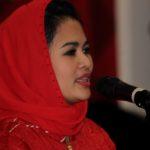 Tegaskan Ayomi Masyarakat Jatim, Puti Guntur Soekarno Bacakan Puisi