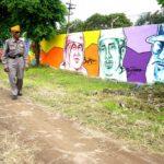 Seni Mural Ubah Wajah Stren Kali Jagir Jadi Lebih Indah
