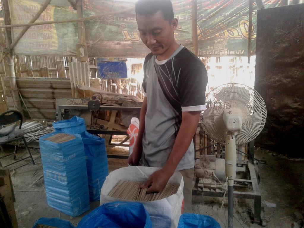 Usaha Pembuatan Tusuk Sate Ponorogo yang Menguntungkan