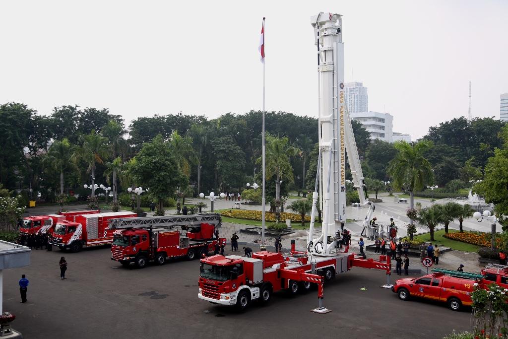 Kota Surabaya Miliki Mobil Pemadam Kebakaran Baru yang Canggih