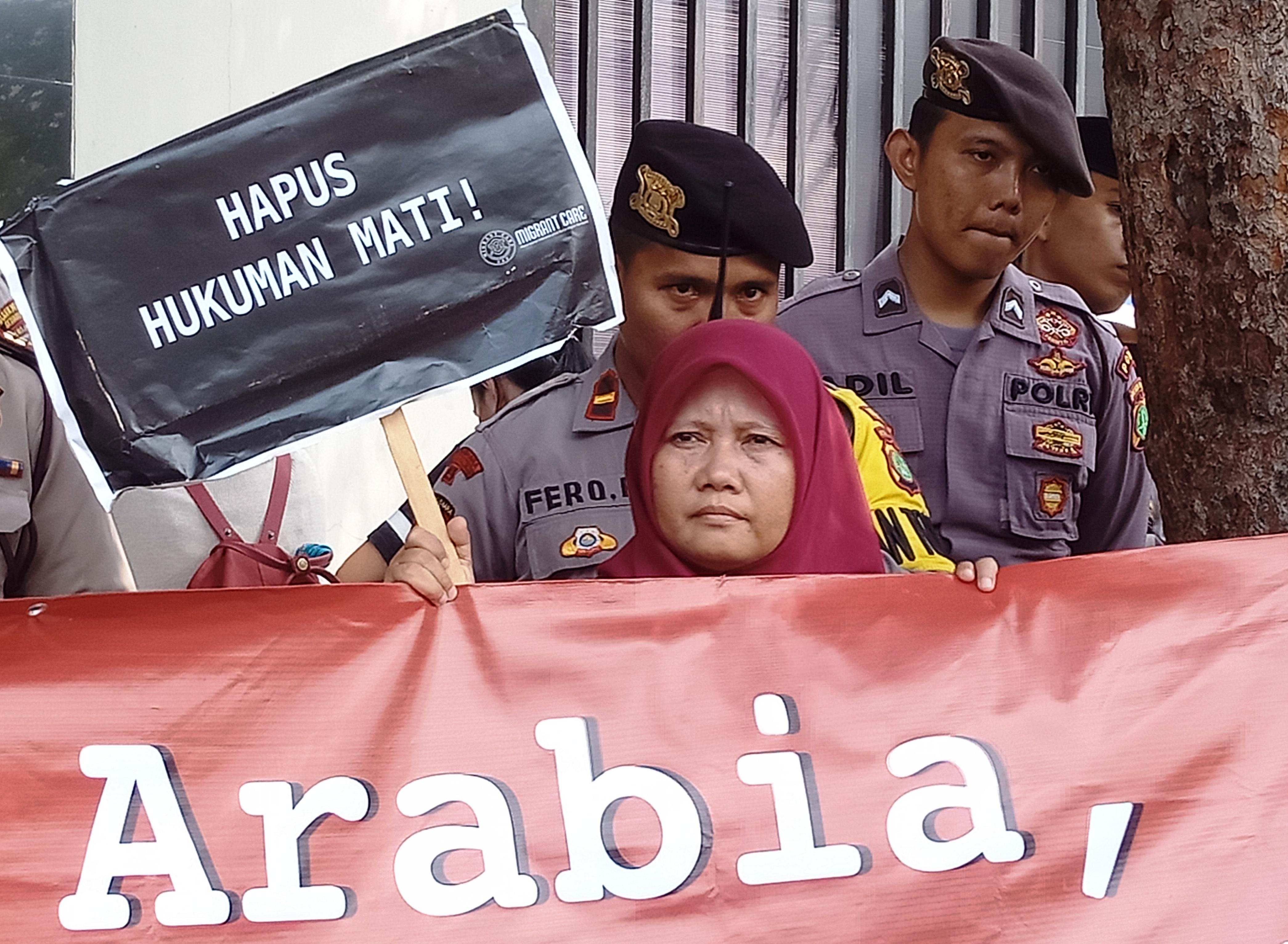 Protes Eksekusi Mati Zaini Misrin