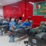 Warga Surabaya Donorkan Darah untuk Pasien Korban Ledakan Bom