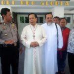 Uskup Surabaya Kutuk Aksi Teror pada 3 Gereja di Surabaya