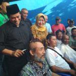 Paslon Abdullah Abu Bakar-Lilik Muhibah, Cukur Rambut Relawan Pasca Unggul Pilkada Versi Hitung Cepat