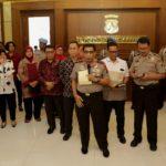 7 Anak dari Terduga Teroris Diserahkan Polda Jawa Timur Kepada Kementerian Sosial