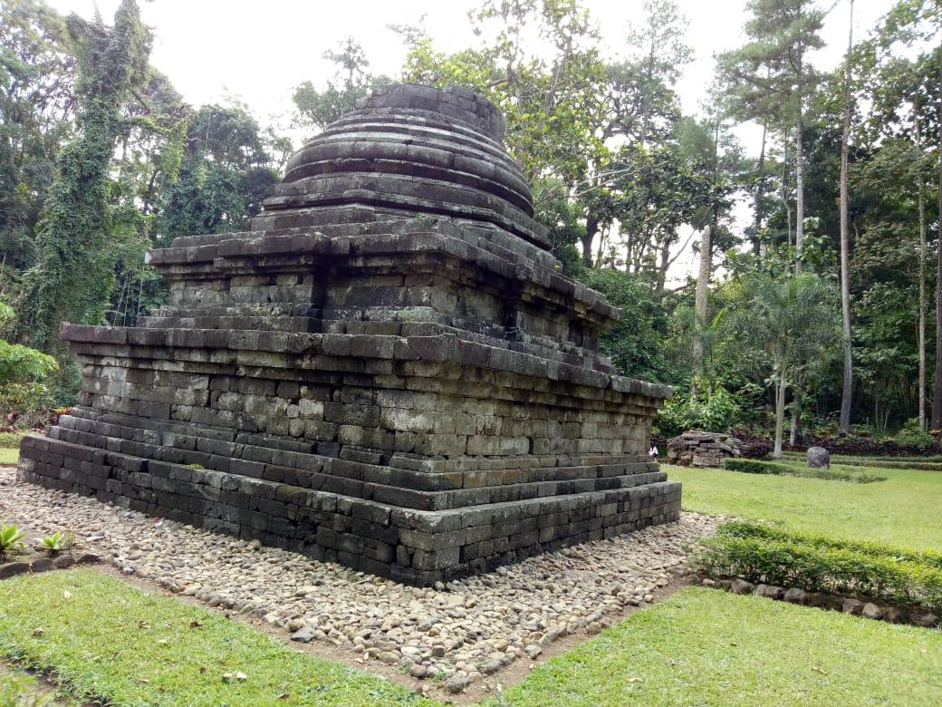 Mengenal Satu-Satunya Stupa di Jawa Timur