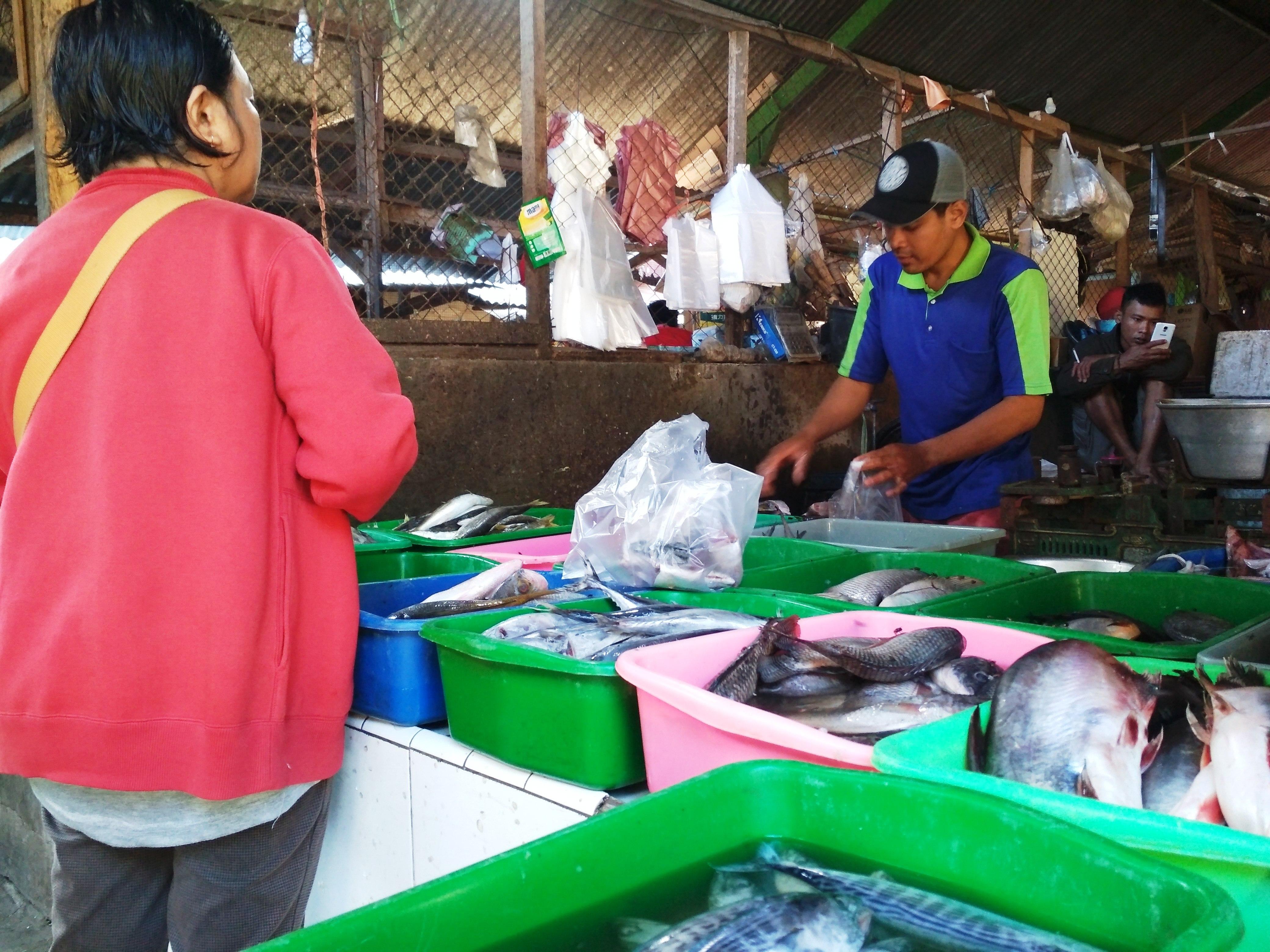 Cuaca Buruk, Harga Ikan Melambung