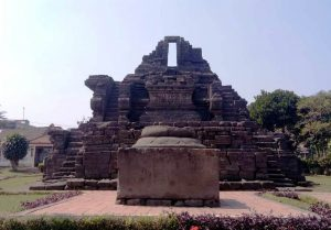 Candi Jago, Pendarmaan Raja Wisnuwardhana