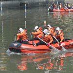 Sambut HUT Kemerdekaan Indonesia, Pemkot Surabaya Gelar Lomba Perahu Karet