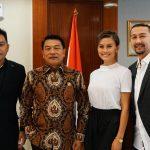 Temui Moeldoko, Agnez Mo Berniat Bertemu Presiden Jokowi