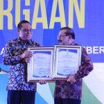 Jawa Timur Terima Dua Penghargaan Top 99 Inovasi Pelayanan Publik dari Menteri PAN-RB