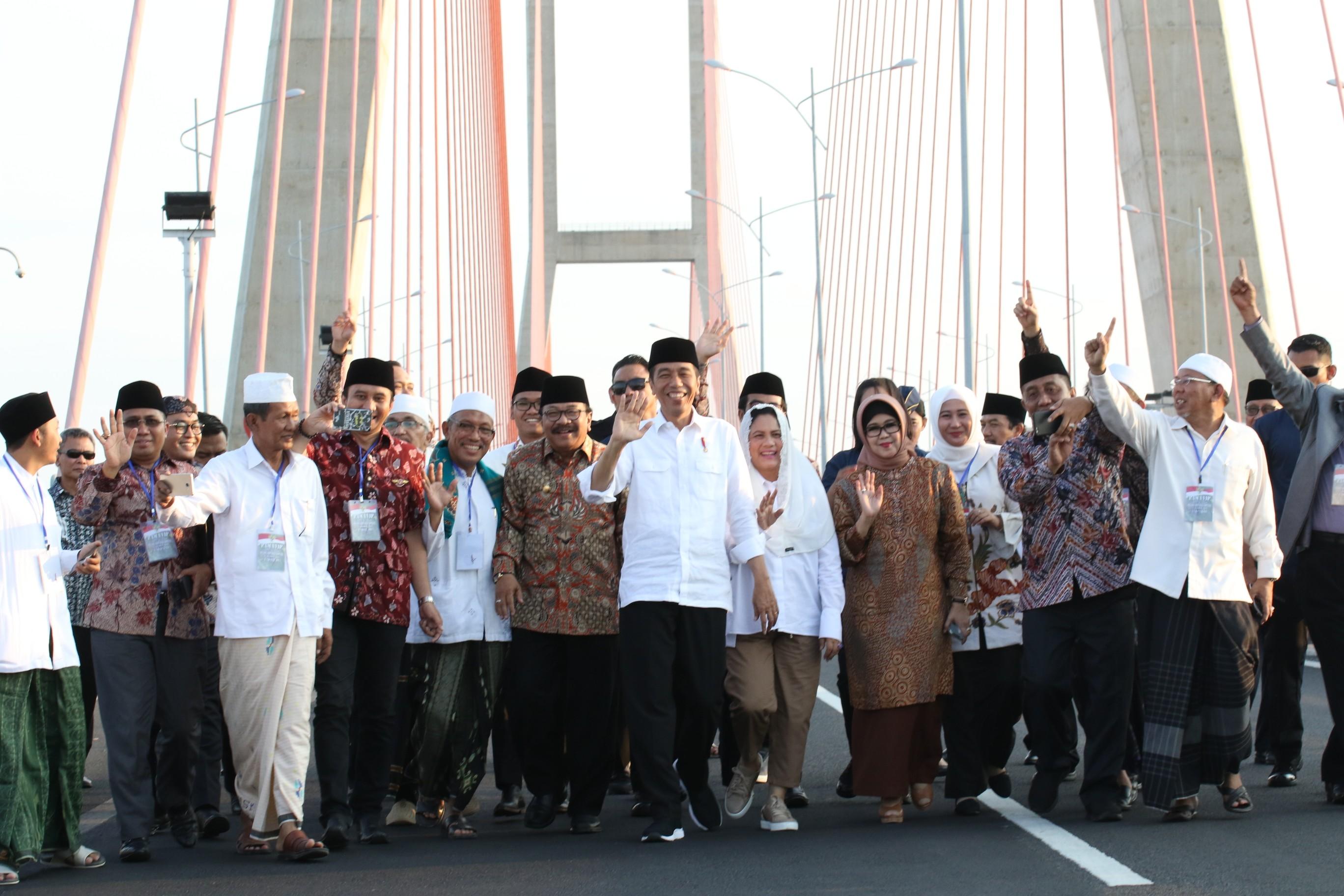 Presiden Jokowi Berharap Perekonomian di Madura Bertumbuh Pasca Gratisnya Jembatan Tol Suramadu