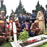 Presiden Jokowi Pimpin Upacara Hari Pahlawan 2018 di Bandung