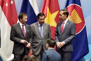 Presiden Jokowi Ingatkan Kurangi Ketergantungan Terhadap Satu Mata Uang