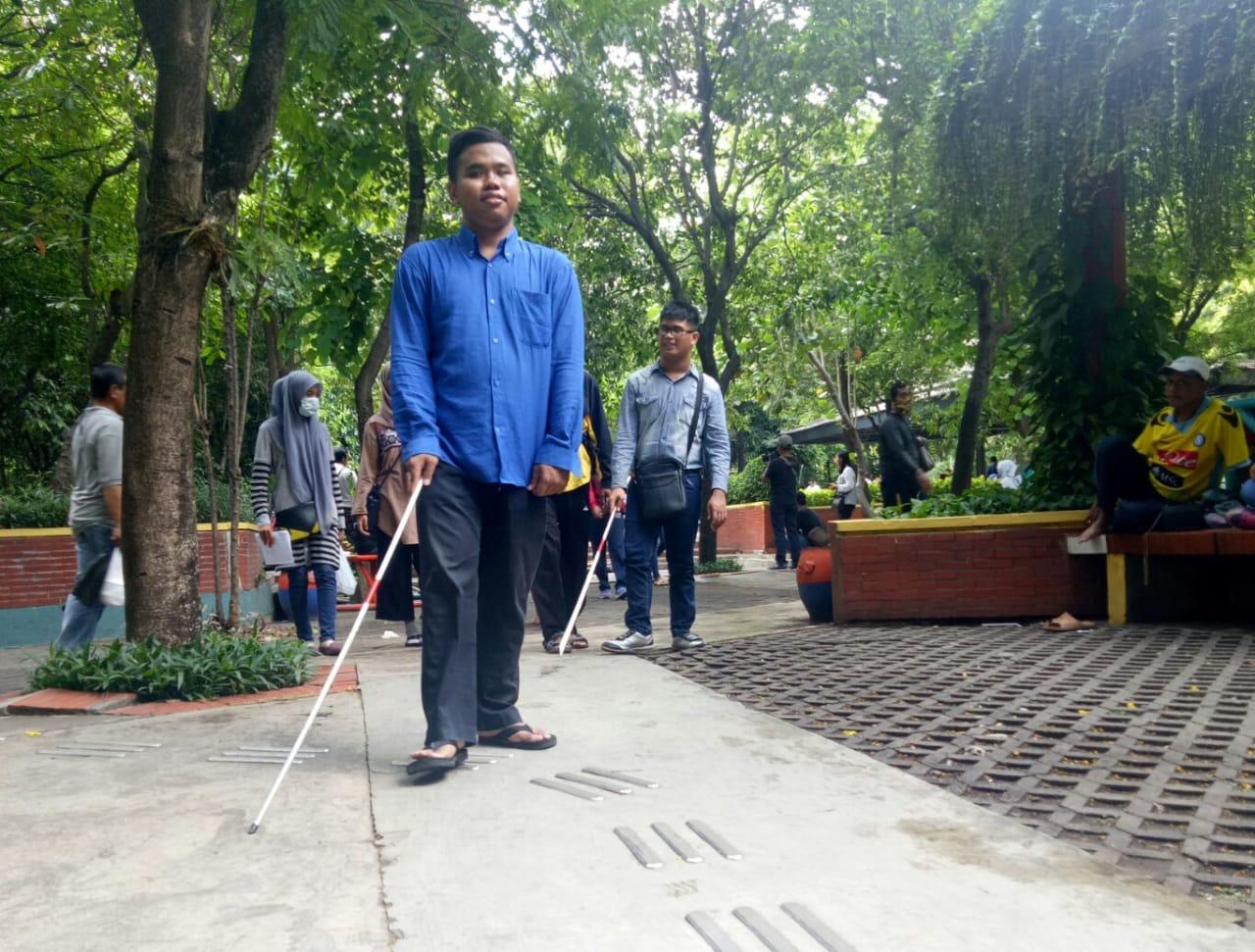 Fasilitas Publik di Surabaya Tidak Ramah Disabilitas