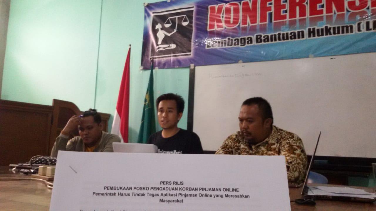 LBH Surabaya Buka Posko Pengaduan Pinjaman Online