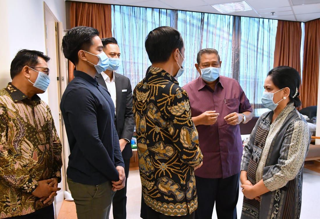 Jenguk Ani Yudhoyono di Singapura, Presiden dan Ibu Iriana Beri Semangat untuk Sembuh