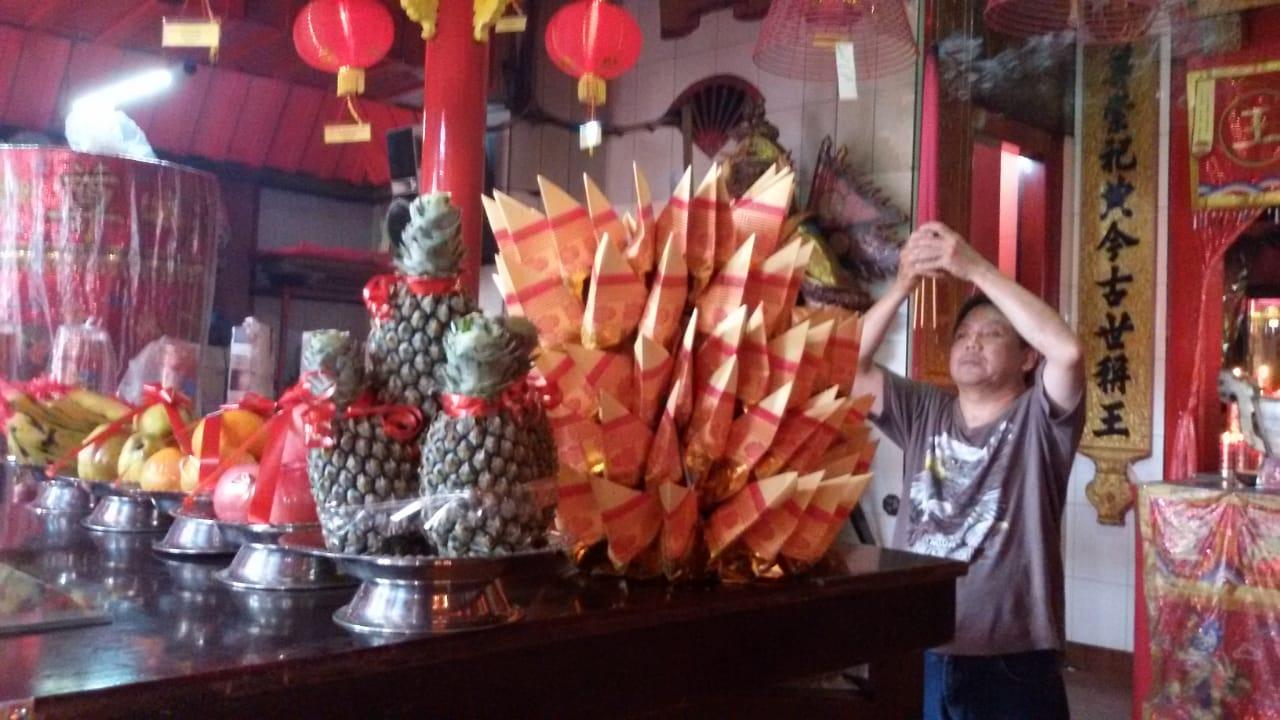 Imlek di Klenteng Hong San Koo Tee