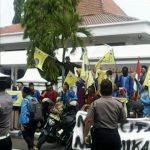 Mahasiswa Tuntut Pemerintah Stabilkan Harga dan Stop Pekerja Asing Ilegal