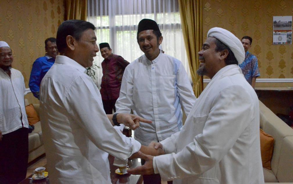 Pemerintah Tegaskan Tak Tangkal Rizieq Shihab Masuk ke Indonesia