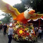 Jonan dan Risma Buka Parade Budaya dan Bunga Kota Surabaya