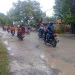 Hujan Sehari, Jalan Desa Sekitar Proyek Jalan Penuh Lubang dan Berlumpur