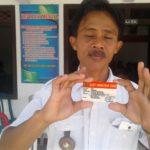 Fokus Kesehatan Masyarakat, Kades Bagikan Kartu Bringinan Sehat