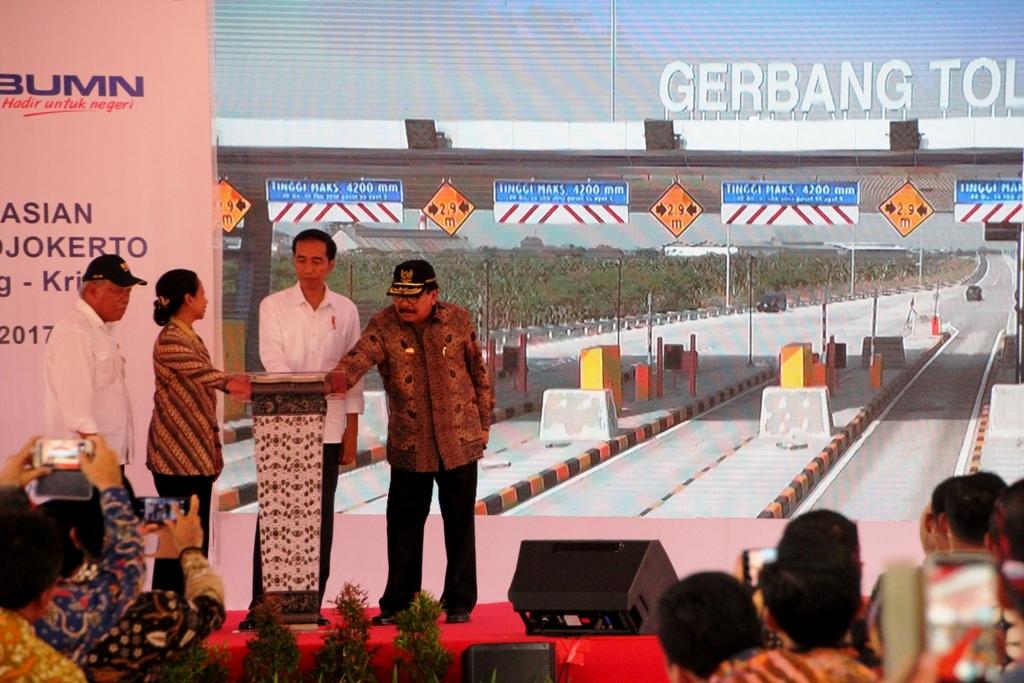Presiden Jokowi Resmikan Tol Surabaya-Mojokerto