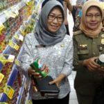 Antisipasi Ikan Kalengan Mengandung Cacing, TPID Kota Kediri Sidak Swalayan