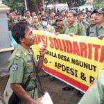 Ratusan Perangkat Desa Se-Ponorogo Unjuk Rasa di Kantor BPN