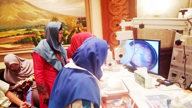 77 Dokter Spesialis Dilatih Operasi Katarak