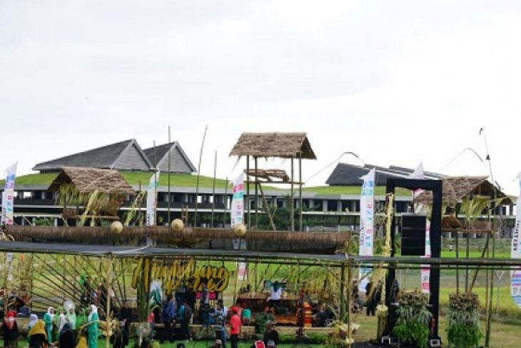 Banyuwangi Gelar Festival Angklung Paglak