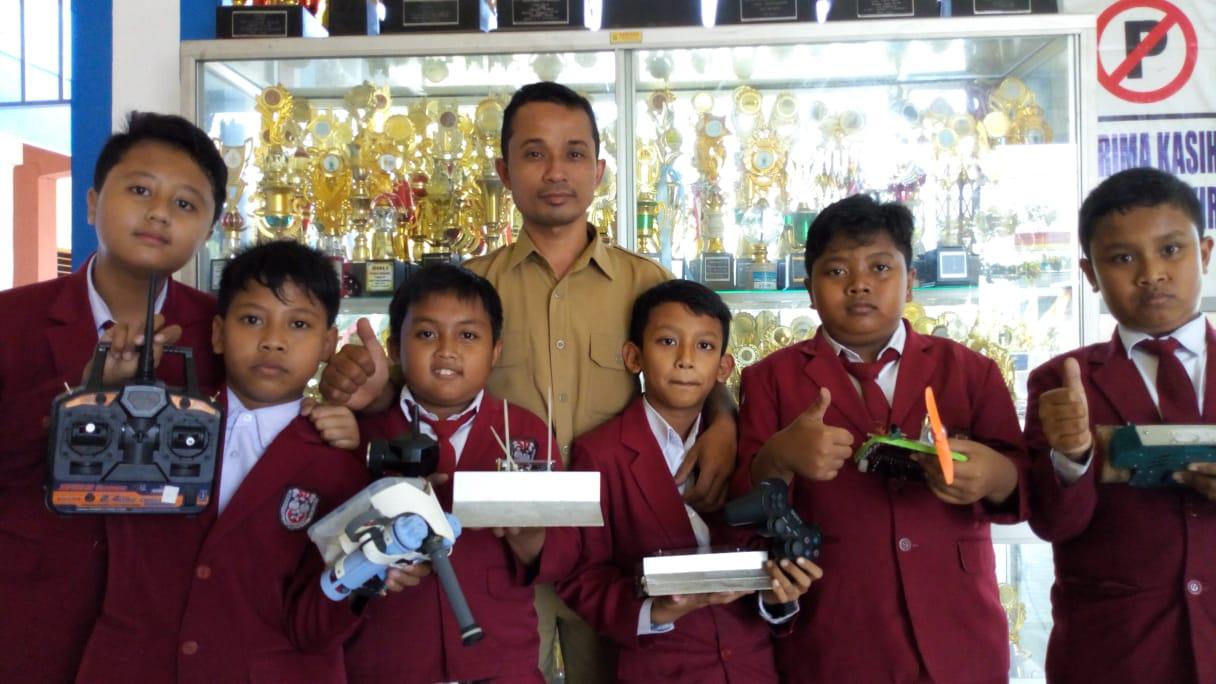 Siswa SD Muhammadiyah Ponorogo Borong Piala di Malaysia