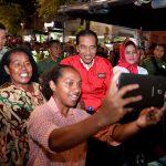 Nikmati Suasana Malam di Malioboro, Presiden Jokowi dan Ibu Negara Naik Andong dan Belanja Mainan