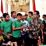 Presiden Jokowi Minta Timnas U-16 Tetap Kerja Keras