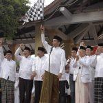 Presiden Jokowi dan Ibu Negara Hadiri Jalan Sehat Santri di Sidoarjo, Ajak Pemuda Majukan Bangsa