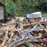 Tim SAR dan Relawan Berhasil Menembus Akses Jalan Terputus di Mandailing Natal