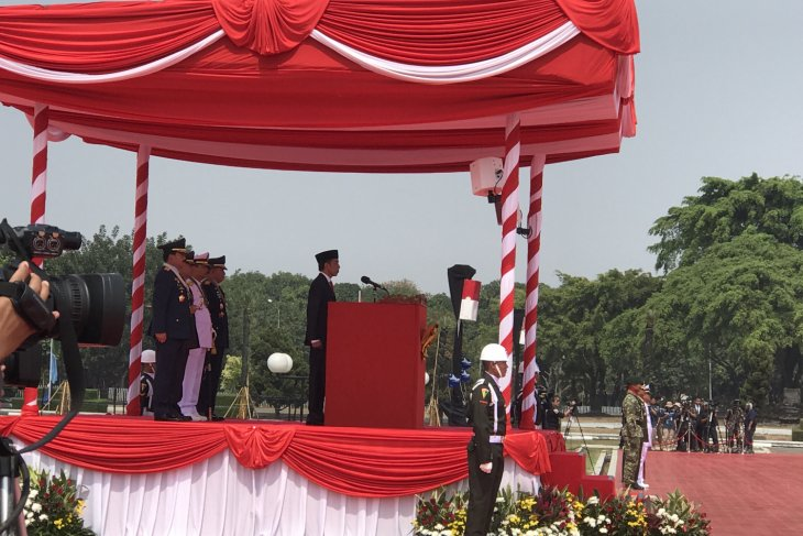 Presiden Ajak TNI Berantas Komunisme dan Warisan PKI