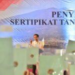 Presiden Jokowi Serahkan 3.000 Sertifikat Hak Atas Tanah di Bogor